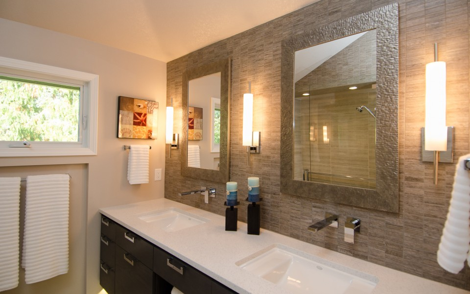 Contemporary Master Bath with Vaulted Ceiling