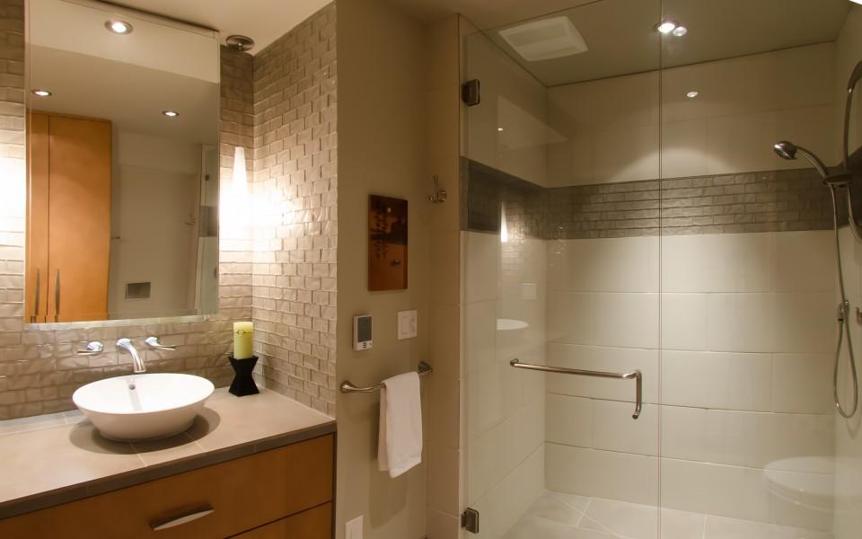 Aloha Modern Bath